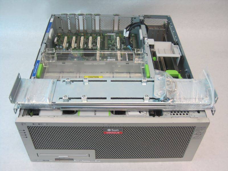 SUN Netra T5440 Server 6-Core Processors 1.2GHZ CPU, 32GB RAM, 2x300GB HDD - NETRA-T5440-6c-1.2-32GB-2x300GB